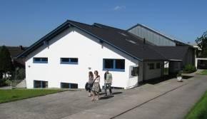 Das Bild zeigt unser Gemeindehaus in der Heiderstraße 2a